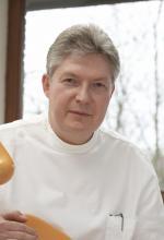 Dr. Thomas Gellert